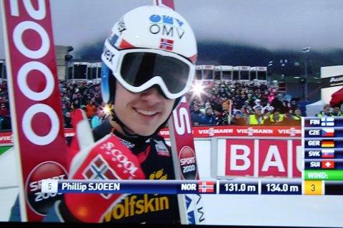 Phillip Sjøen viste tommel opp på TV-skjermen etter 11.plassen i Engelberg.