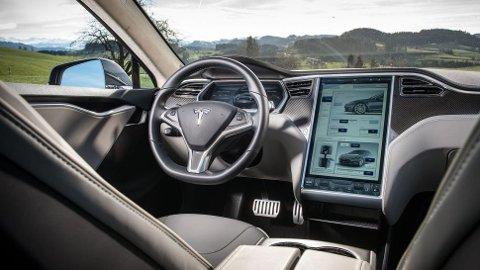 Elon Musk bekrefter at vi får en ny toppversjon av Model S neste år. Det er snakk om Model S Plaid - bilen som forsøker å sette verdensrekord på Nürburgring i disse dager.