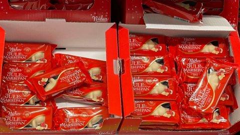 PRISKUTT: Julemarsipangris er en av varene som er blitt kuttet i pris i romjula.
