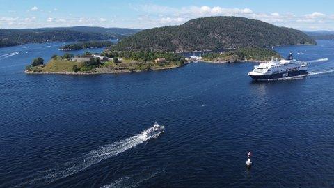 DFDS, som drifter danskebåten som går mellom Oslo og København, ser nå på hvordan de kan forbedre egne smitteverntiltak etter utbruddet på Hurtigrutens skip. Foto: Ivar Ruud Eide