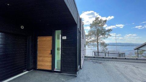 Øvre Utsiktsvei 29 A (Gnr 4, bnr 139, seksjon 2) er solgt for kr 15.900.000.