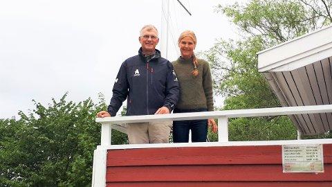 Trine og Lars Tomasgaard i Drøbak sier det har vært en sann glede å følge seilersønnen Hermann Tomasgaard som søndag sikret OL-medalje.