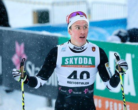 Karstein Johaug, løper for Mosvik IL under Holmenkollstafetten lørdag-