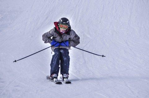 ALPINREGLER: Det finnes egne regler for hvordan man oppfører seg i alpinanlegg.  Foto: Tonje Hovensjø Løkken