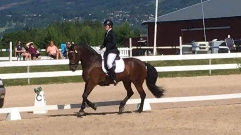 STILIG: Aina Kveberg og Figaro i klasse LA.