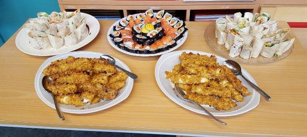 Brekken oppvekstsenter fikk bryne seg på sushi, wok med laks, fiskepinner med potetmos og taco-wraps med laks.