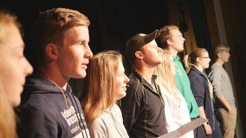"""Dalsbygda Ungdomslag øver gjennom hele uka for å sette opp """"Vesle bygd i Dovrefjell""""."""