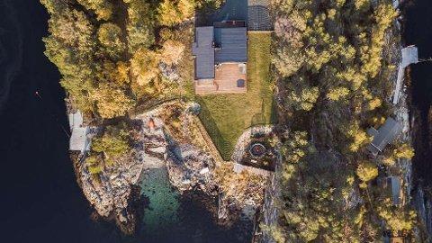 PERLE: Denne eiendommen i Åsenfjord ble tirsdag solgt for 8.870.000 kroner.