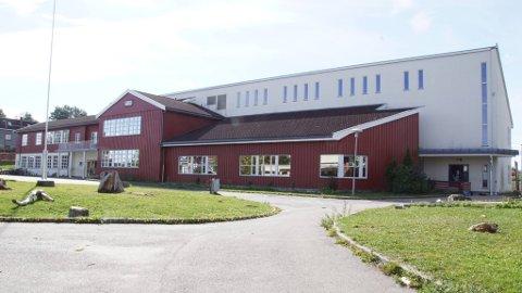 TRANGT OM PLASSEN: Brønnerud skole bruker i dag alle sine 7 klasserom. Høsten 2020 kan det bli 8 klasser på skolen.