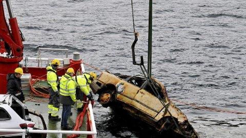 """Dumping av bil i sjøen har vært et utbredt svindeltema. Da blir bilen """"borte"""" og man kan for eksempel melde den stjålet for å få utbetaling fra forsikringsselskapet. Men dette blir stadig oftere avslørt."""