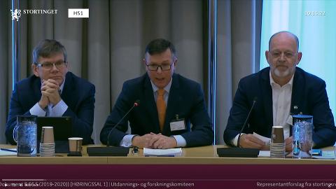 HØRING: NMBU-rektor Sjur Baardsen (t.h) argumenterte for at NMBU bør få beholde selvråderetten over egne bygg under en høring på Stortinget.