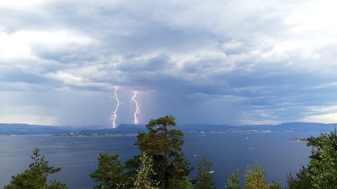 TORDEN: Folk i Follo må være forberedt på torden i helgen.