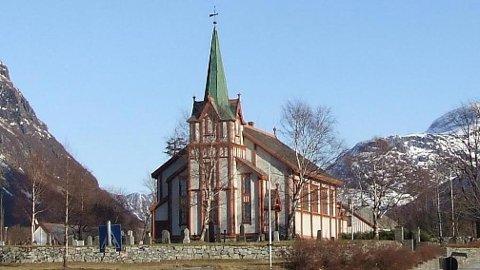 Hov kirke. (Arkiv)