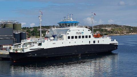 """""""Stangvikfjord"""" ligger til kai i Teistholmsundet."""