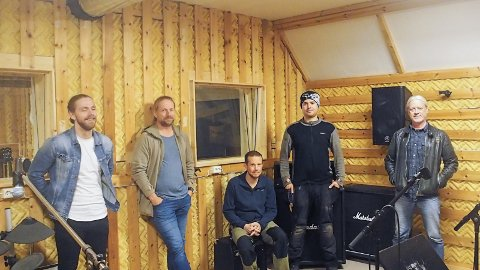 Endelig: Rockeklubben ser fram til å kunne invitere til jam igjen. Fra v. Henrik Sandbukt, Øystein Sandbukt, Petter Bjørnbakk, Sindre Mo og Roger Røen.