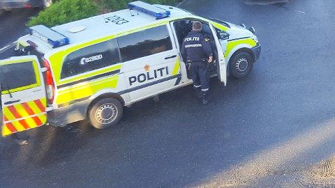 Politiet var på adressen til mannen onsdag morgen for å pågripe ham og ransake eiendommen hans.