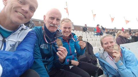Thomas Axelsen, Leif Markseth, Rita Kristoffersen og Ann Helen Nordstrøm etter vel gjennomført maraton i Amsterdam