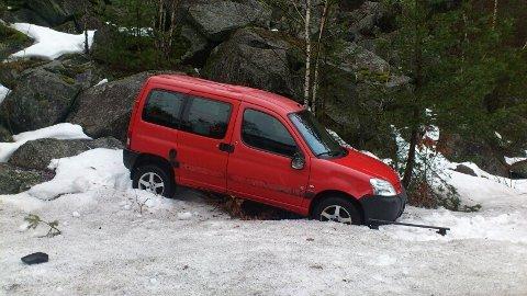 Gått rundt: Det var denne bilen som kjørte ut ved Torskeberg, fredag morgen.