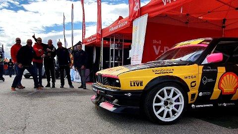 HJULENE RULLER: Olav Haugen Hasdal (nummer fire fra venstre) kommer til å kjøre også denne sesongen. Slik så det ikke ut for bare noen dager siden.