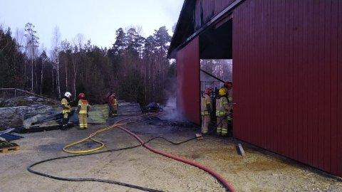 Brannvesenet har kontroll.