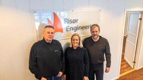 OPP OG FREM: Risør Engineering har hatt suksess med sin omstillingsprosess  - og nå vokser selskapet såpass at de skal ansette flere folk. F.v. Fritz Lundberg, Cathrine Ask og Rolf Arne Skogli.