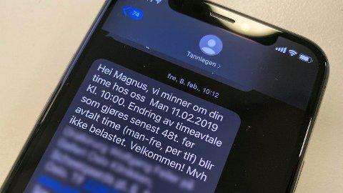 SMS-meldinger sendt av roboter utgjør nå over halvparten av SMS-trafikken. Foto: Magnus Blaker/ Nettavisen
