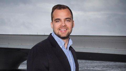 STERKT: Kristoffer Mathias Ibsgaard Munksgaard fullførte BA i eiendomsmegling i vår, og gikk ut med bare A-er!