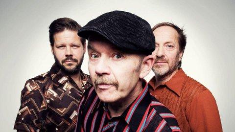 FLEKKEFJORD-KLARE: Fredag spiller trioen Tre Små Kinesere i Spira.