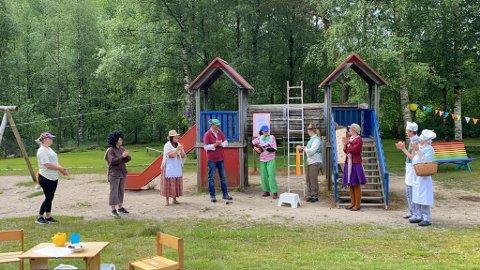 FORESTILLING: De ansatte sørget for en mildt sagt spennende dag i barnehagen.