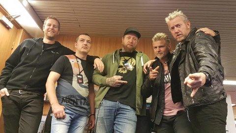 KONSERT-KLARE: Heatseekers har spilt i 20 år, og lørdag er det konsert i Liknes. Fra venstre: Christian Seneger - trommer, Sigvards Pauna - gitar, Roy Egeland - vokal, Kelly Aamodt - gitar og  Kjell Skaaland - bass.