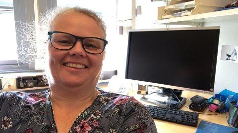 FORNØYD: Jordmor Ragnhild Sand er glad for at antallet fødsler øker på landsbasis.