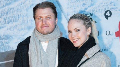 Emilie Nereng og Torgeir Johansen har måttet gjøre om på bryllupsplanene. Til «SCHENDIS» beskriver hun drømmebryllupet som intimt, koselig med maks 100 gjester.