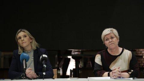 UTTALTE SEG: Frp-leder Siv Jensen og nestleder Sylvi Listhaug i Frp møtte pressen etter sentralstyremøtet tirsdag ettermiddag.Foto: Berit Roald (NTB)