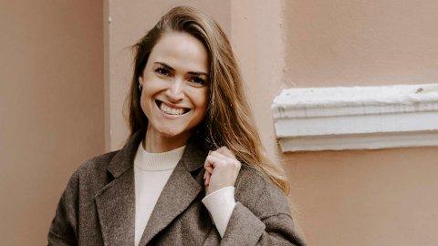 GIR UT BOK: Martine Sletmoen (32) fra Kongsvinger bor på Skillebekk og har drevet med surdeig i to år. Nå gir hun ut bok.