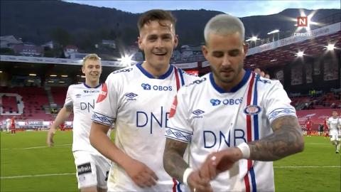 FEIRET: Aron Dønnum hadde teipet en «Rolex-klokke» på armen.