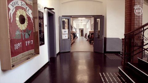 HYLLES: Skolen, og spesielt Vahl, er viktig, synes KIGO.