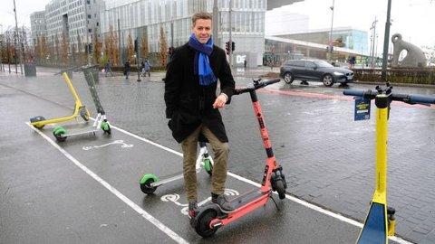 NYE REGLER: Kommunen og politiet kan nå bøtelegge elsparkesykler for feilparkeringer. Gebyret et på 900 kroner, opplyser samferdselsminister Knut Arild Hareide.
