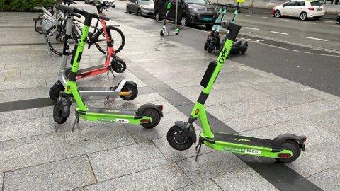 TILBUD: I disse dager er elsparkesykkel-markedet brennhet og aktørene byr på med kampanjer. Ryde byr på 300 kroner hvis man laster ned appen deres, men det følger en aldri så liten hake med.  Foto: Nettavisen