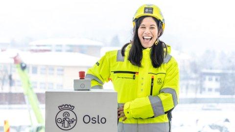 ØKNING: Startskuddet for byggingen av ny vannforsyning til Oslo ble markert i februar da byråd for miljø- og samferdsel, Lan Marie Berg (MDG), avfyrte den første tunnelsalven. Det omfattende prosjektet vil føre til en kraftig økning i vanngebyret for byens innbyggere. Foto: Ole Berg-rusten (NTB)