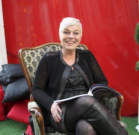 JULETE: - Eg er veldig glad i jula, seier Kristin Handeland, klar til å lesa mandag, men ungane uteblei.