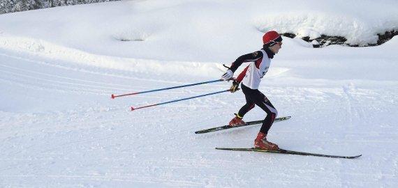 NM-LØYPA: Herman Toppe Alvær(13) imponerte mest i skisporet søndag, og skøyta den velkjente NM-løypa på 12 minutt og 26 sekund.