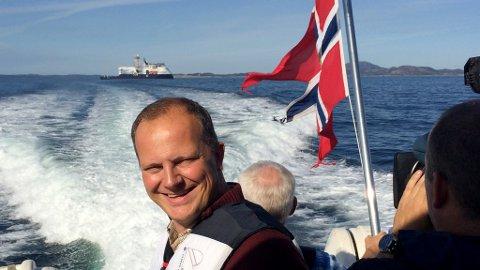 Samferdsleminister Ketil Solvil-Olsen kjem innom både Knarvik og Fedje denne veka.