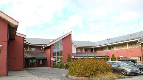 Torsdag formiddag var det lekkasje hjå legevakta i Knarvik.