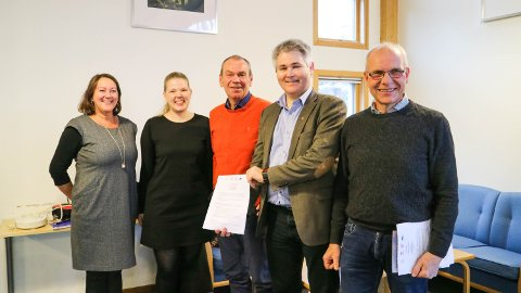 Astrid Aarhus Byrknes (KrF), ordførar Sara Hamre Sekkingstad (Sp), Nils Marton Aadland (H), Øyvind H. Oddekalv (Ap) og Jostein Hellestveit (Sp).