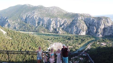 Familien på veg frå Meland til Kroatia.