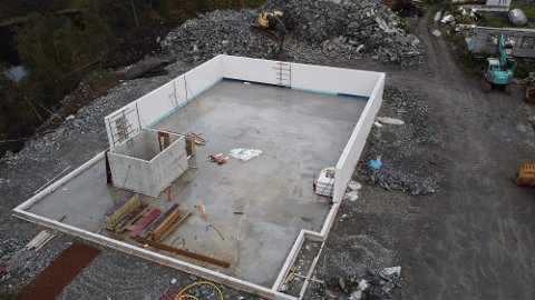 Slik såg det nye huset ut tidlegare i haust.
