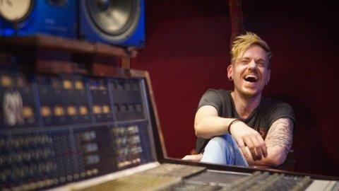 Andreas Kvinge Sandnes miksar og produserer musikk hos 4th Street Recording i Los Angeles.