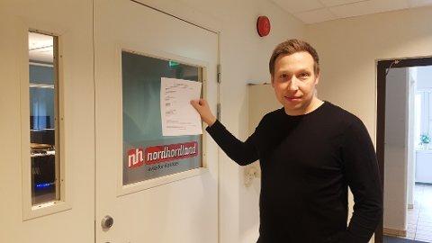 Redaktør og dagleg leiar Trond Roger Nydal har stengt kontoret til Avisa Nordhordland i Knarvik senter for å vere med på den kollektive dugnaden mot koronaviruset.