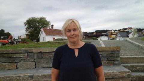 OMSORGSBUSTADER: Kommunalsjef for helse og omsorg, Leni Dale, fortel om planane for det nye bufellesskapet i Alver kommune.