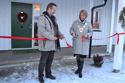 Torsdag var det offisiell åpning av Fossumkollektivet i Valnesfjord med besøk av daglig leder Finn Arctander og ordfører Siv Anita J. Brekke.